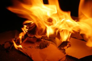 Brennende Dokumente